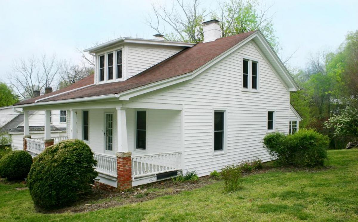 115 N. Occoneechee St - Hillsborough, NC